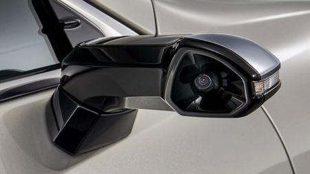 Konec zpětných zrcátek? Lexus je chce vyměnit za něcolepšího!