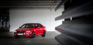 """Nová Škoda Superb je nejlepším autem od Škodovky a dost možná nejlepší """"běžné"""" auto celého koncernu Volkswagen.Proč?"""