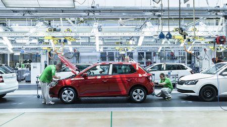 Práce snů? Škoda Auto svým zaměstnancům pořádně přilepšila. Dostali bonusy i slušnéprémie