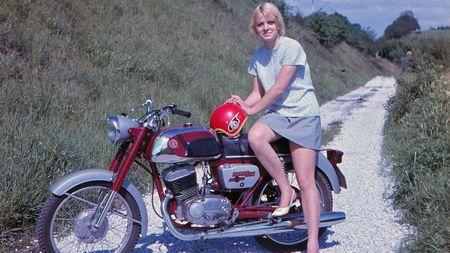 Legendární motocykly Čezeta nás proslavily po celém světě! Oslavily by 100 let, ale pod italskou taktovkou je čekal smutnýzánik