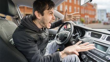 Víc než polovina Čechů se přiznává ke stejnému přestupku na silnicích, ale zároveň je u ostatních rozčiluje. jaký toje?