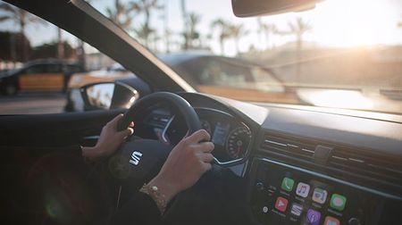 20 nejposlouchanějších písniček v autě: První tři místa obsadila naprostá klasika! Je mezi nimi vašeoblíbená?