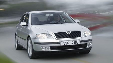 Bazarová Škoda Octavia II do 100 000 Kč: Stojí za to, nebo je to past? Poradíme, co si pohlídat a čemu sevyhnout!